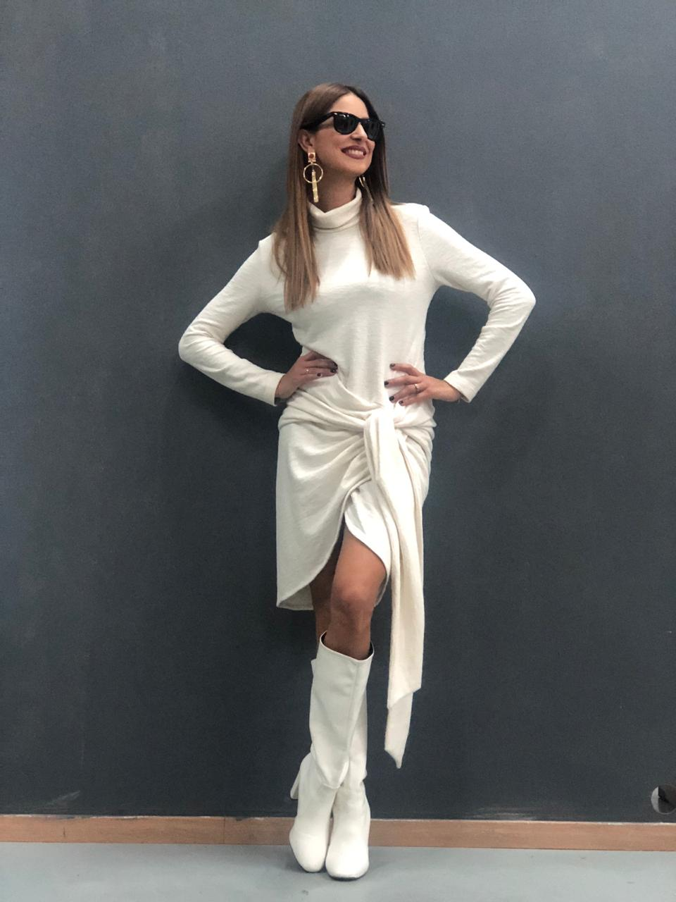 27b0d370cf0a Total White in Fall? Y E S! – Constantina Evripidou